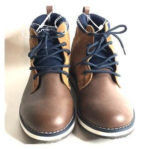 Nautica Boy's Sz 5 Suede Faux Leather Chukka Boots